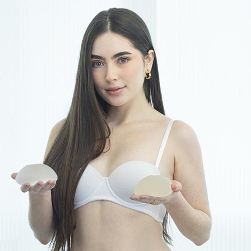 Aumento mamario con o sin implantes